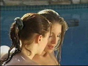 Lesbický sex u bazénu
