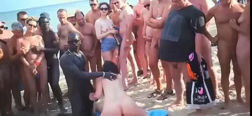 Skupinový sex na pláži